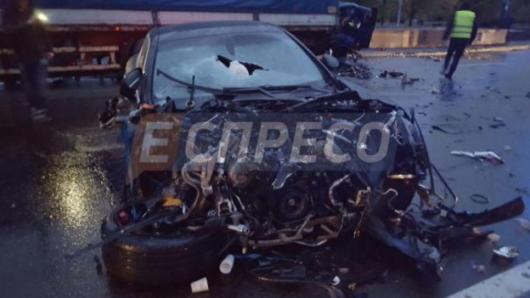ВКиеве шофёр Порше спровоцировал смертельное ДТП
